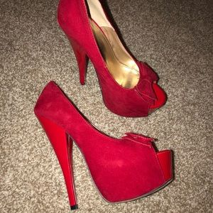 Red bow high heels